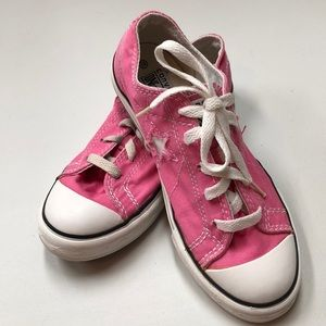 Converse One Star Pink Sneakers